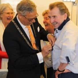 Albert Vos Lid in de Orde van Oranje-Nassau